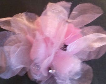 Sewing brooch, flower tulle color pink