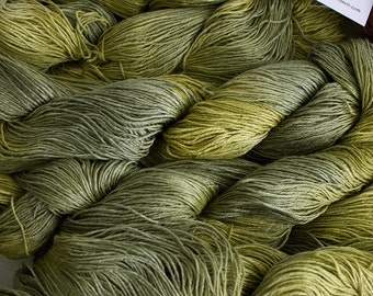 Linen 16/4, Hand painted yarn, 300 yds - Leaf