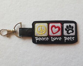 Pet-Peace Love Pets Key Chain (FOB)