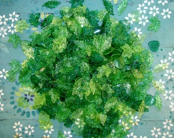 LUCITE ACRYLIC LEAVES-30 Or 50 Beads Per Package-Mixed Leaf-Leaves-Spring Greens-Transparent-Loose Beads-15mm To 25mm-Free Gift In Each Pkg