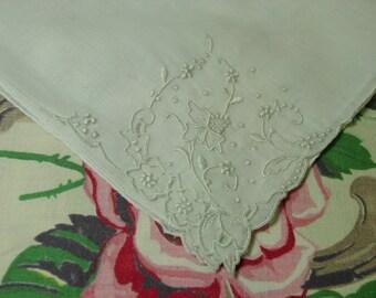 Lovely Vintage Hanky, Handkerchief Madeira, Embroidery Bridal, Wedding
