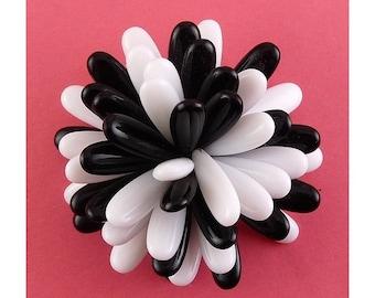 1970s Black & White Plastic Petals Pom Pom Flower Pin - Exc. On Card, Old Stock