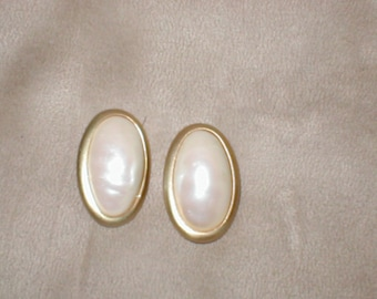 Vintage Ivory Pearl Cabachon signed AnnTaylor Clip Earrings