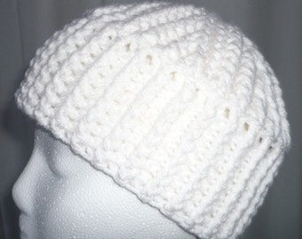 Cable Crocheted White Tam Womens Size