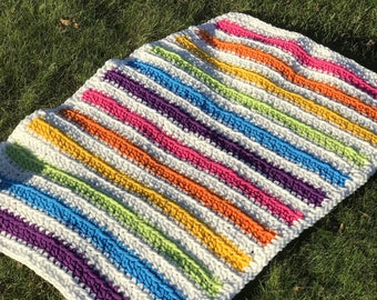 Super Plush Rainbow Baby Blanket! Perfect for any baby!