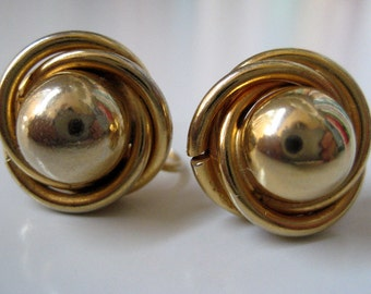 Vintage Gold Tone Twist Domed Earrings Screw On Clip Retro Deco Go2Girl Vintage in California