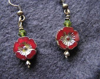 Red flower earrings | czech glass | boho chic | women | fashion | green | bohemian dangle