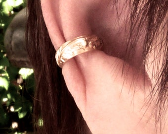 ear cuff, ear wrap, Gold Filled unpierced earrings, non-pierced earrings, embossed, minimalist earcuff, clip-on earring comfortable, mid ear
