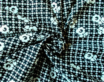 Vintage Cotton Dress Fabric - 1960's - Black & white circles and flowers pattern - 1 piece - Unused