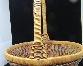 Basket Gathering Vintage Basket Natural Basket Country Basket Home Decor Country Decor Gift Storage Woven Basket Centerpiece Table Decor