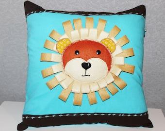 Decorative cushion cover Petit lion Léo.
