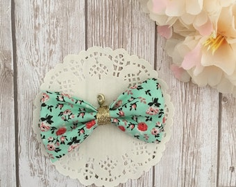 Floral bow charm