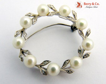 Vintage Round Wreath Brooch Pearls Diamonds White Gold