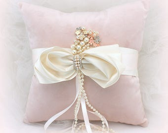 Velvet Wedding Ring Bearer Pillow Blush Rose and Ivory with Bow, Blush Ring Pillow, Vintage Style, Ring Cushion, Unique Ring Pillow