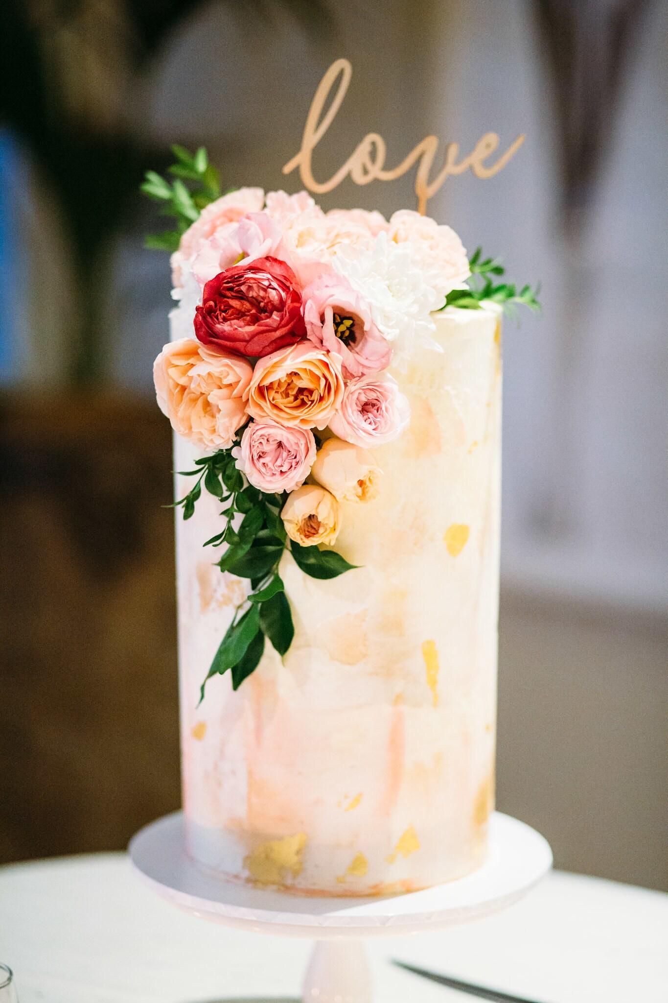 Wedding cake - Love cake topper