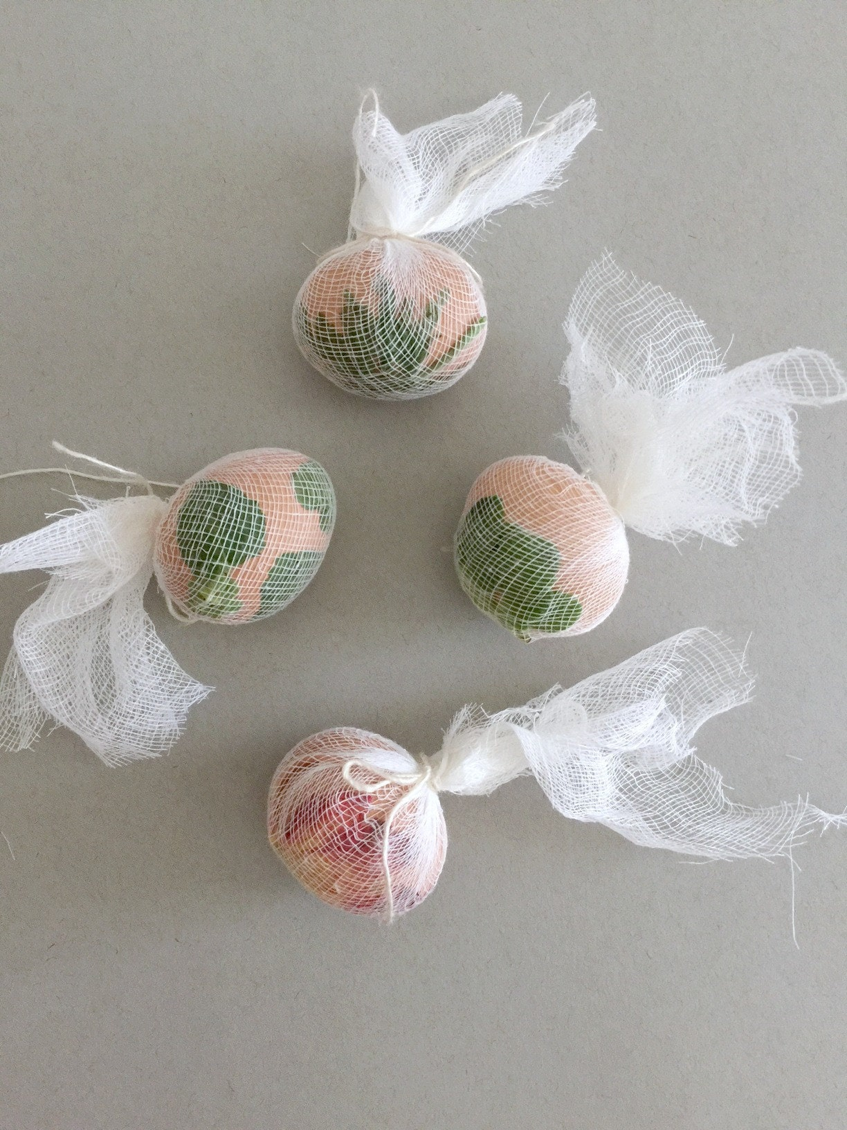 diy_natural_dyed_easter_eggs