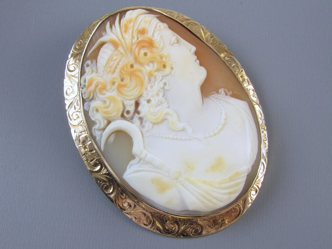 Signed Untermeyer Robbins antique Edwardian rose gold cameo brooch pin pendant. Dated and signed Fred to Lillian, 1913 on the back.