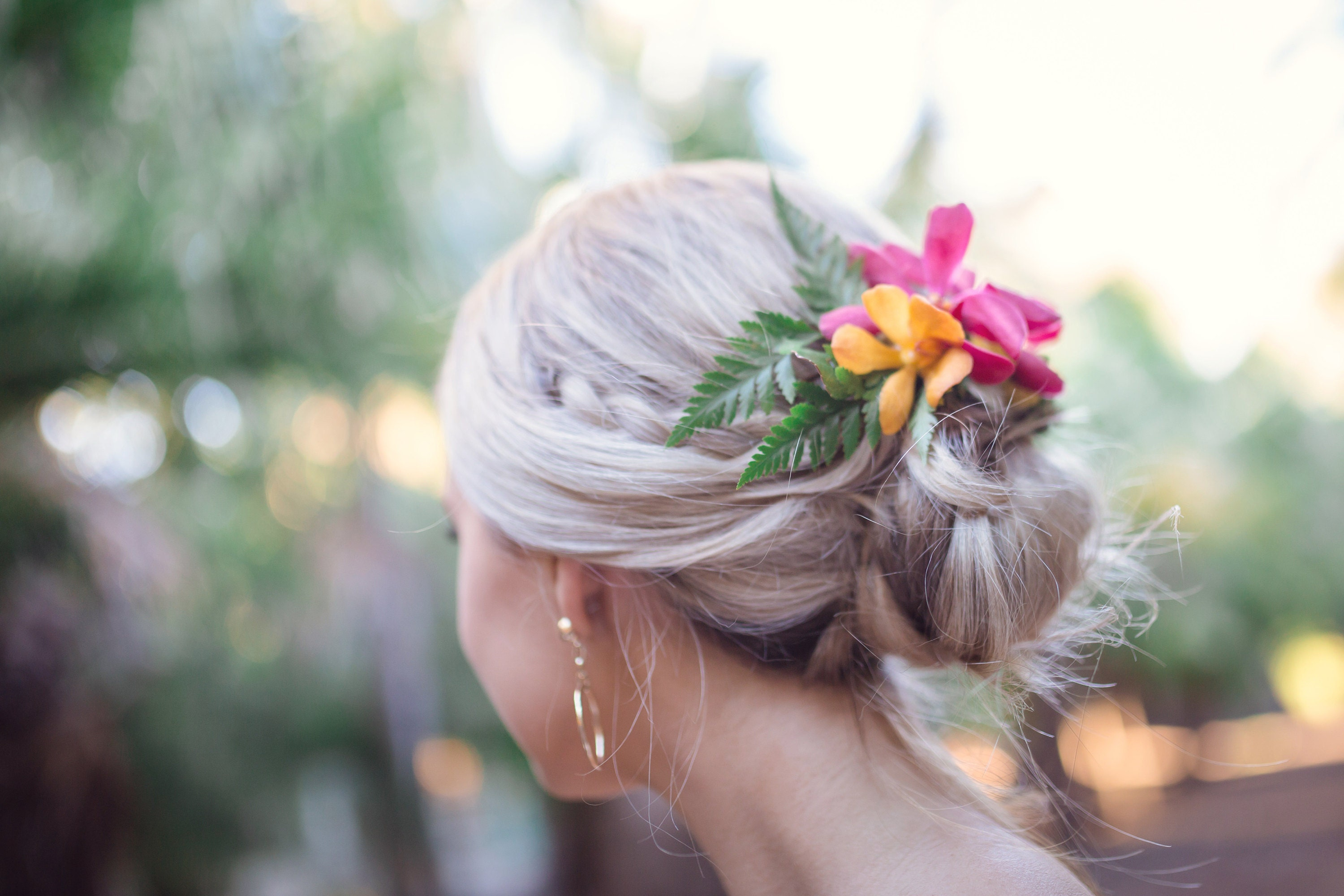 Relaxed bridal upstyle