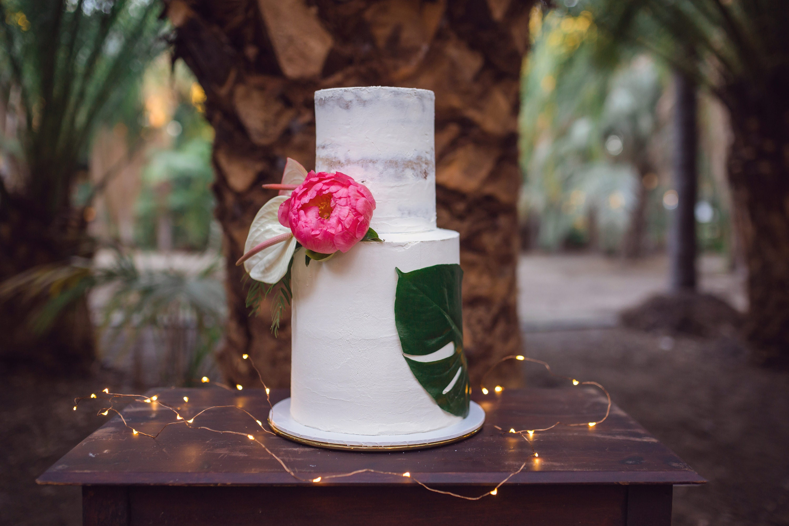 Tropical Wedding Cake and bright blooms