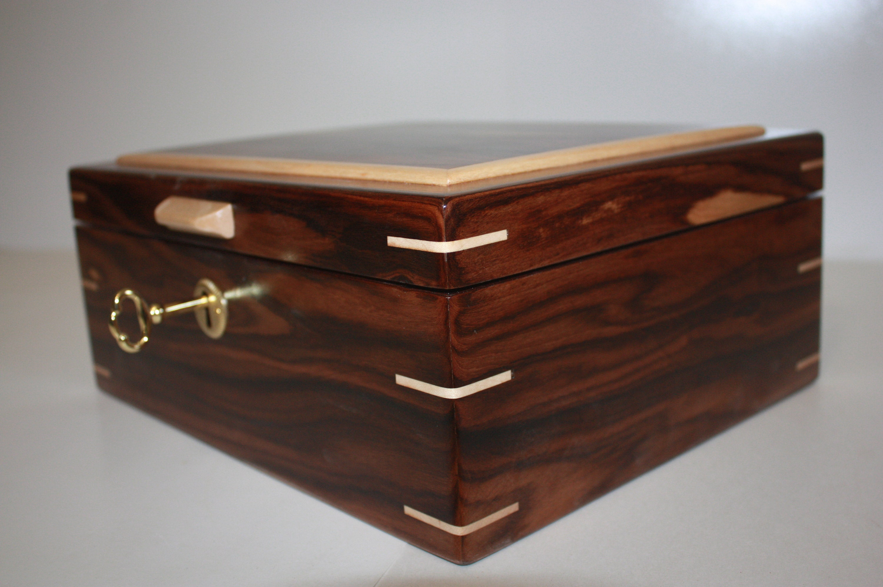 Bolivian Rosewood Humidor For Sale