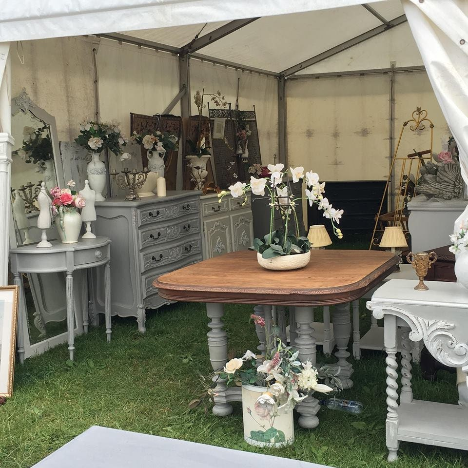 Vintage Shabby Chic Furniture