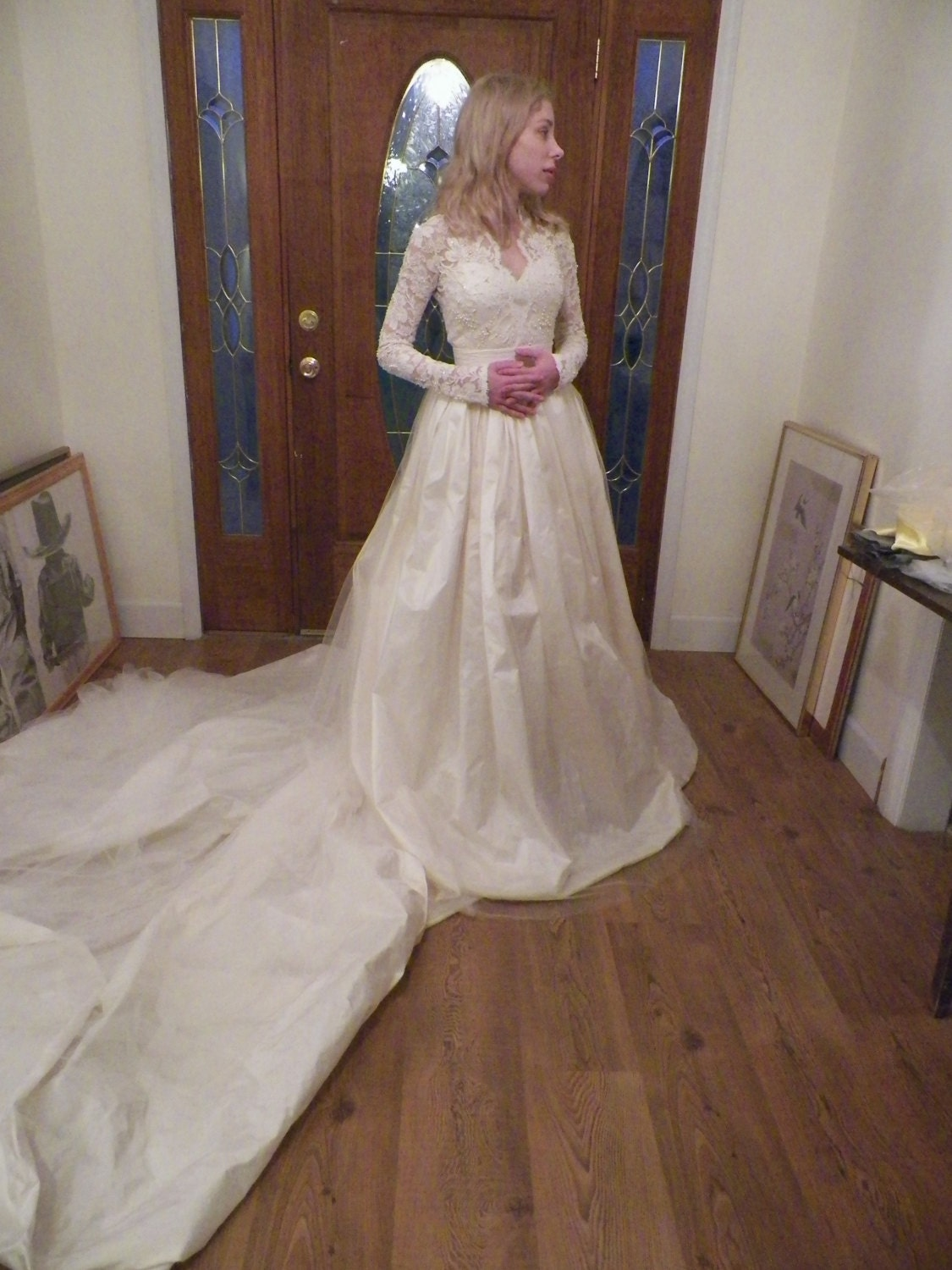 Jays wedding gown with no crinoline support