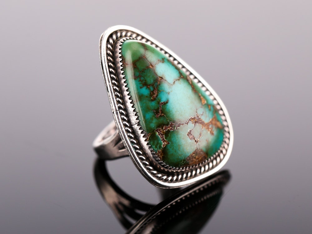 Vintage Southwest Sterling and Turquoise Ring