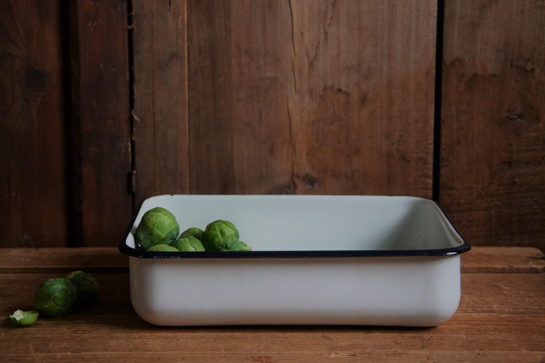 white enamel food tray