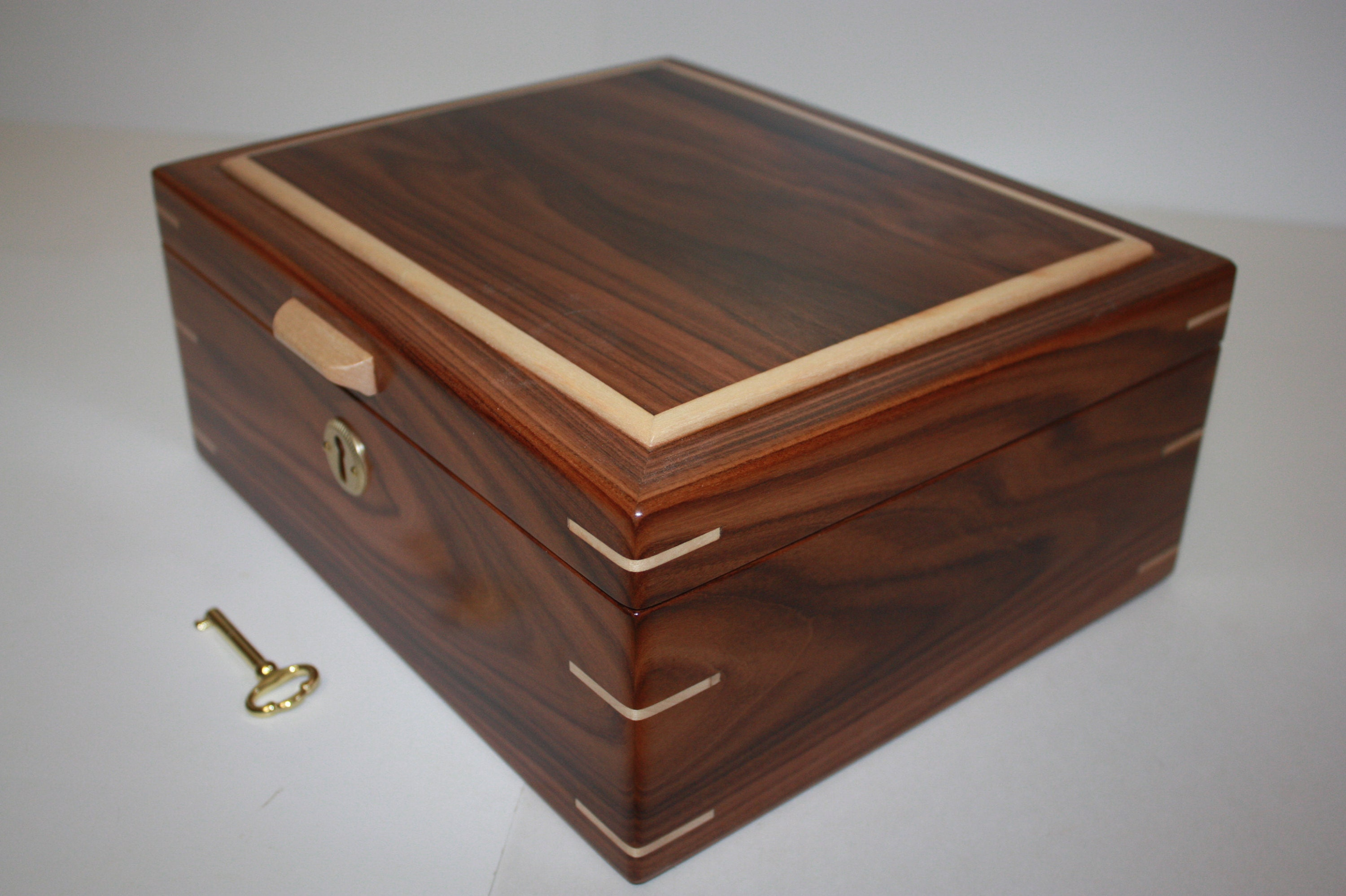 Morado/Bolivian Rosewood with Maple Humidor For Sale