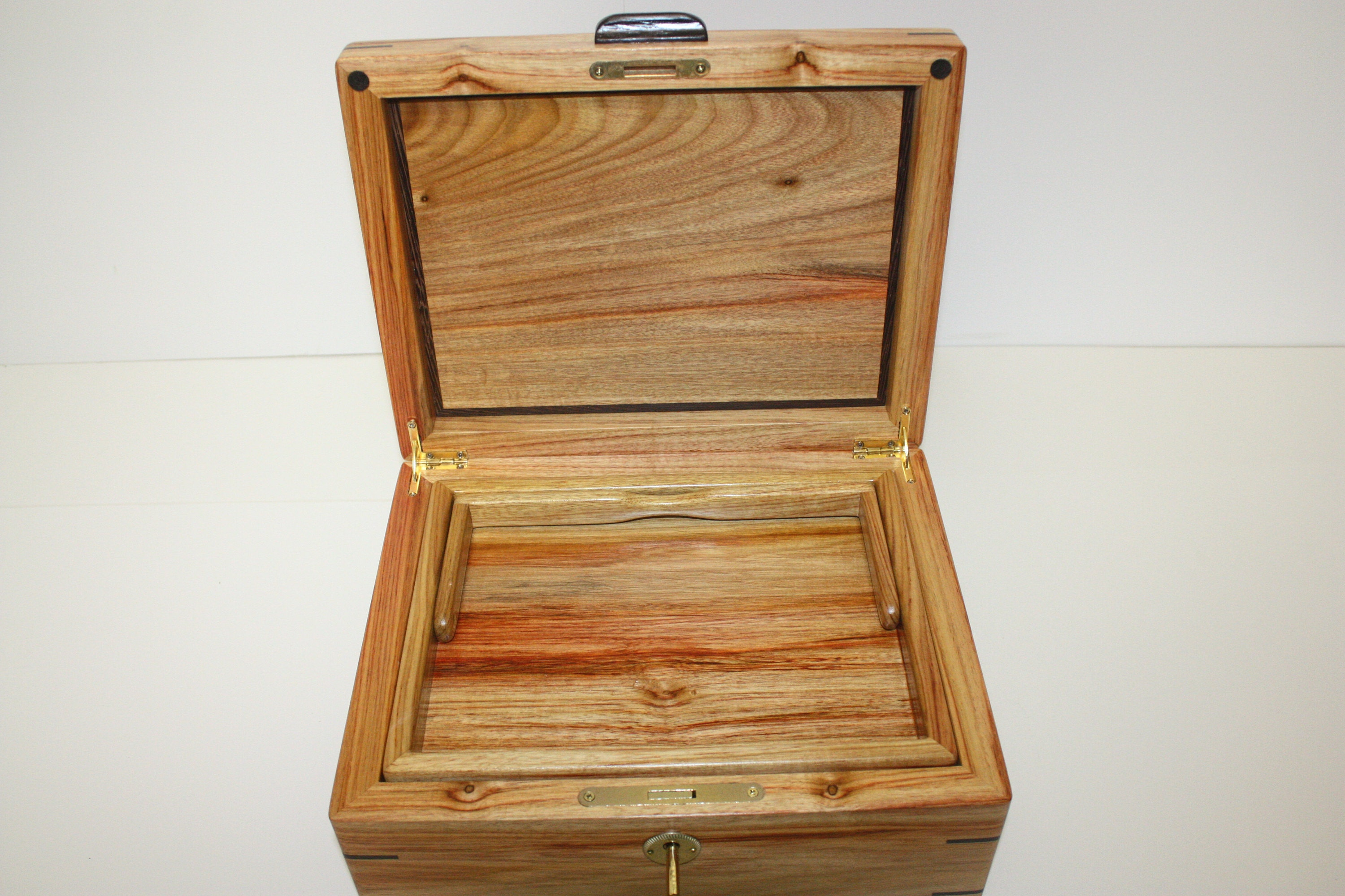 Canarywood Box with Lid, Locking