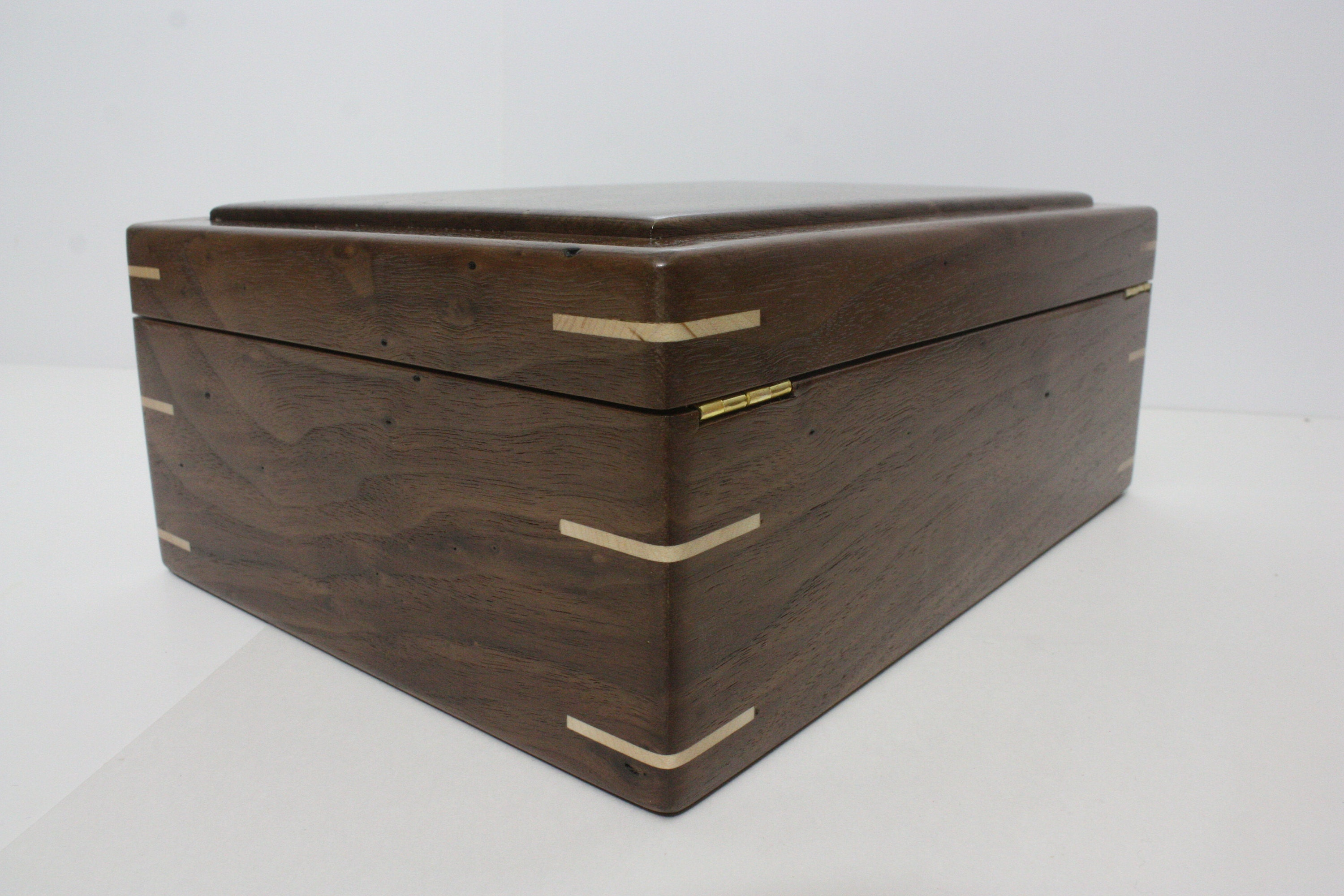 Locking Walnut Box with Quadrant Hinges