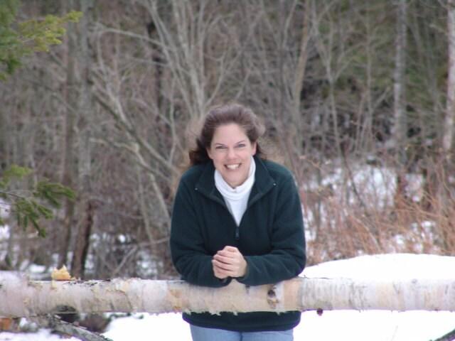 Joanna Vaughan, Owner of GiftsandHomeDecorUS