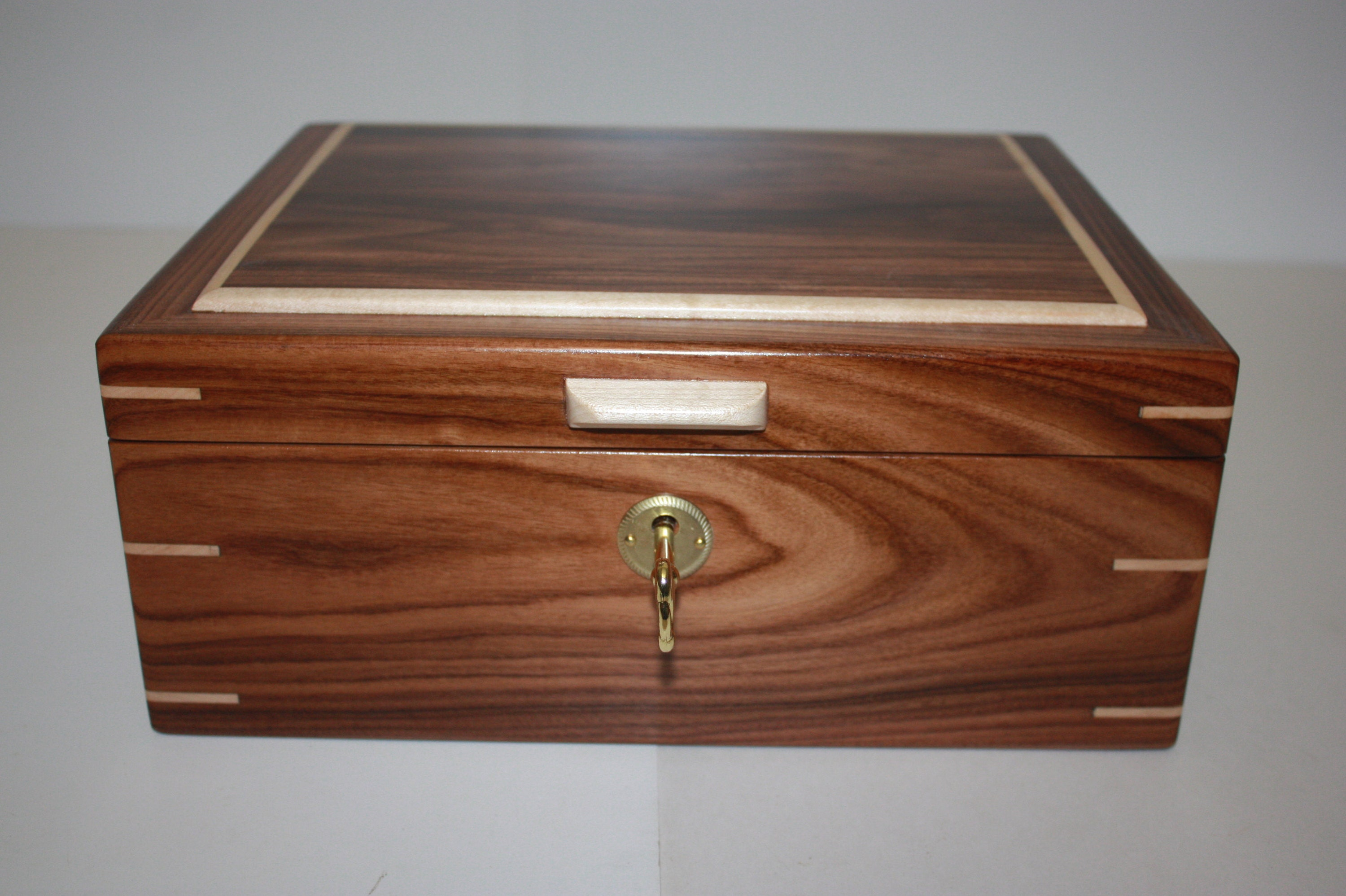 Locking Morado/Bolivian Rosewood and Maple Humidor For Sale