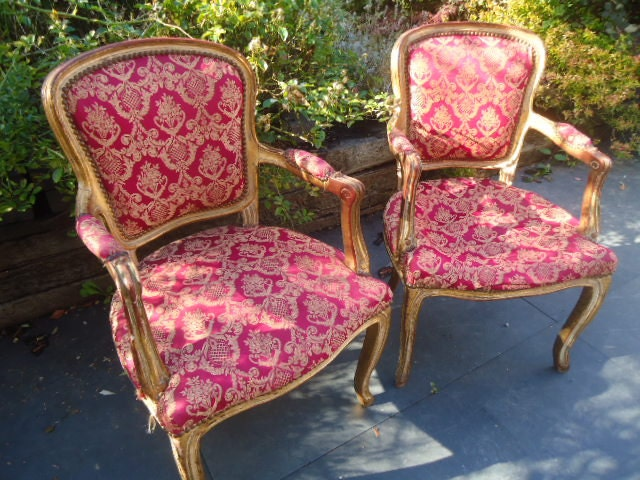 French gilt fauteil armchairs