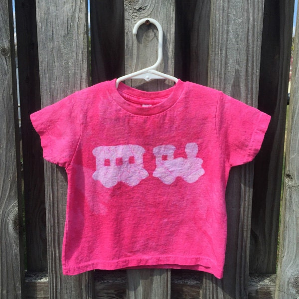 Pink train shirt by peacebabybatiks on Etsy