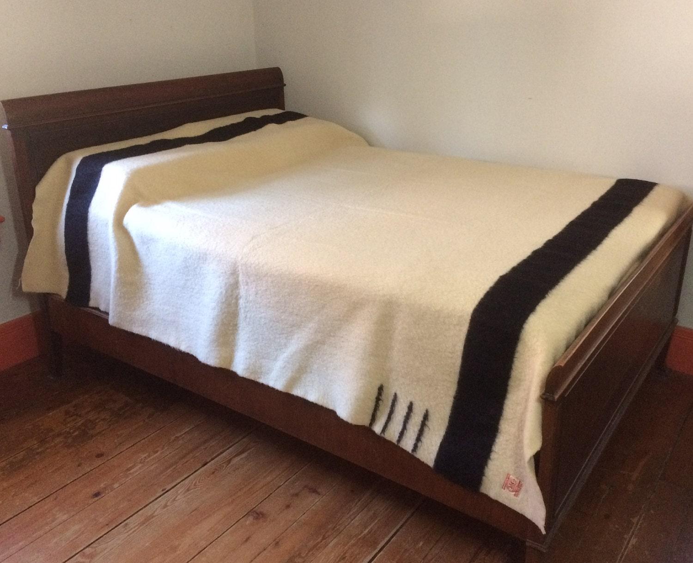 1930s Hudsons Bay Co. black stripe blanket