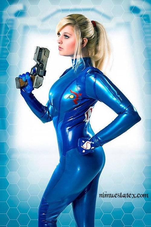 Samus Aran Zero Suit Cosplay