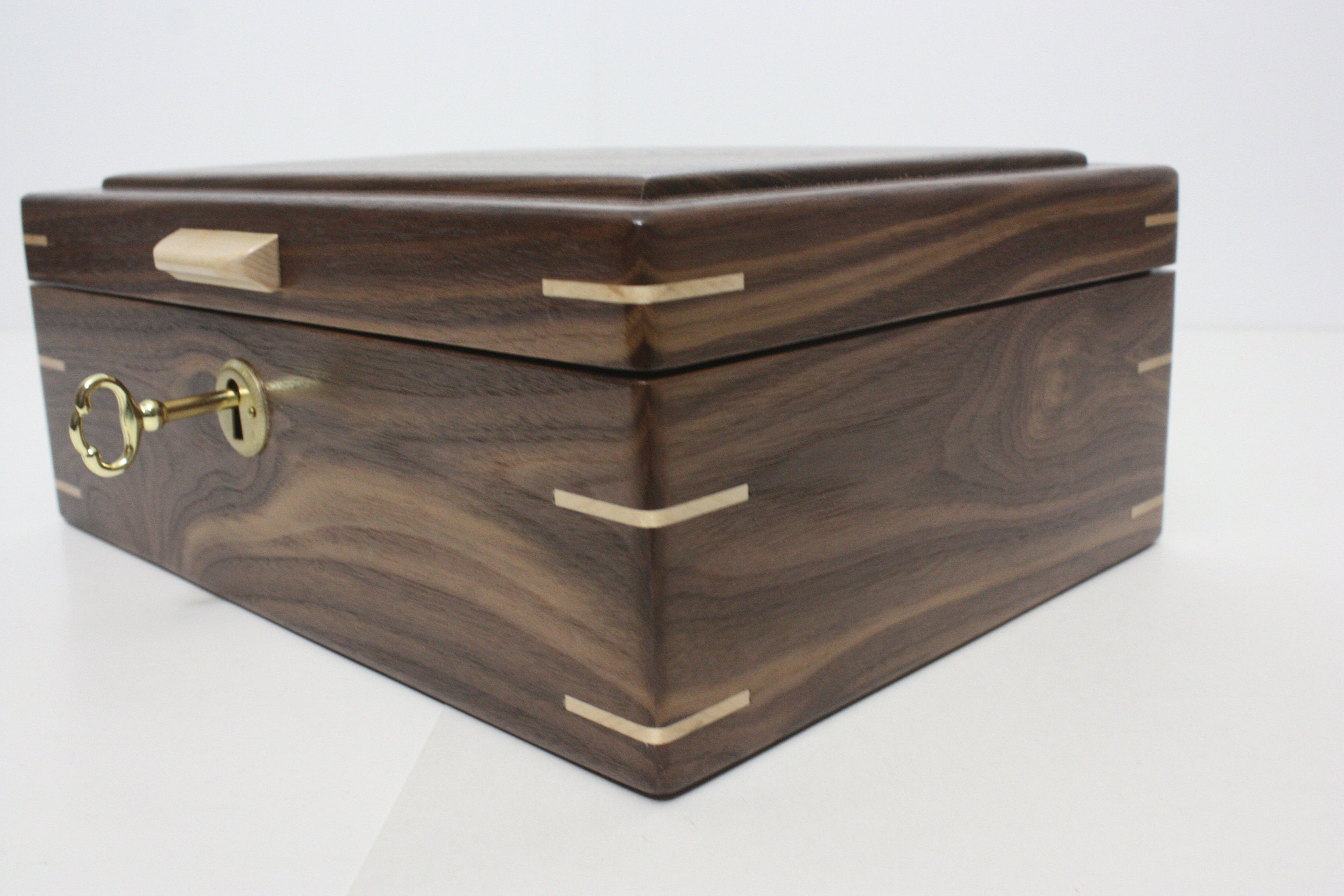 Wood box with Corner Splines