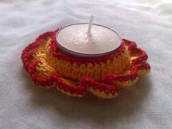 Teelicht Halter in gelber und roter Baumwolle