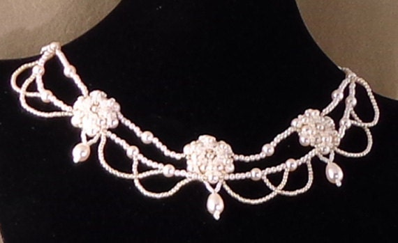 Hand woven seed bead pearl bridal necklace.