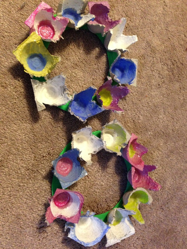 Easy Egg Carton Flower Wreath Kids Craft