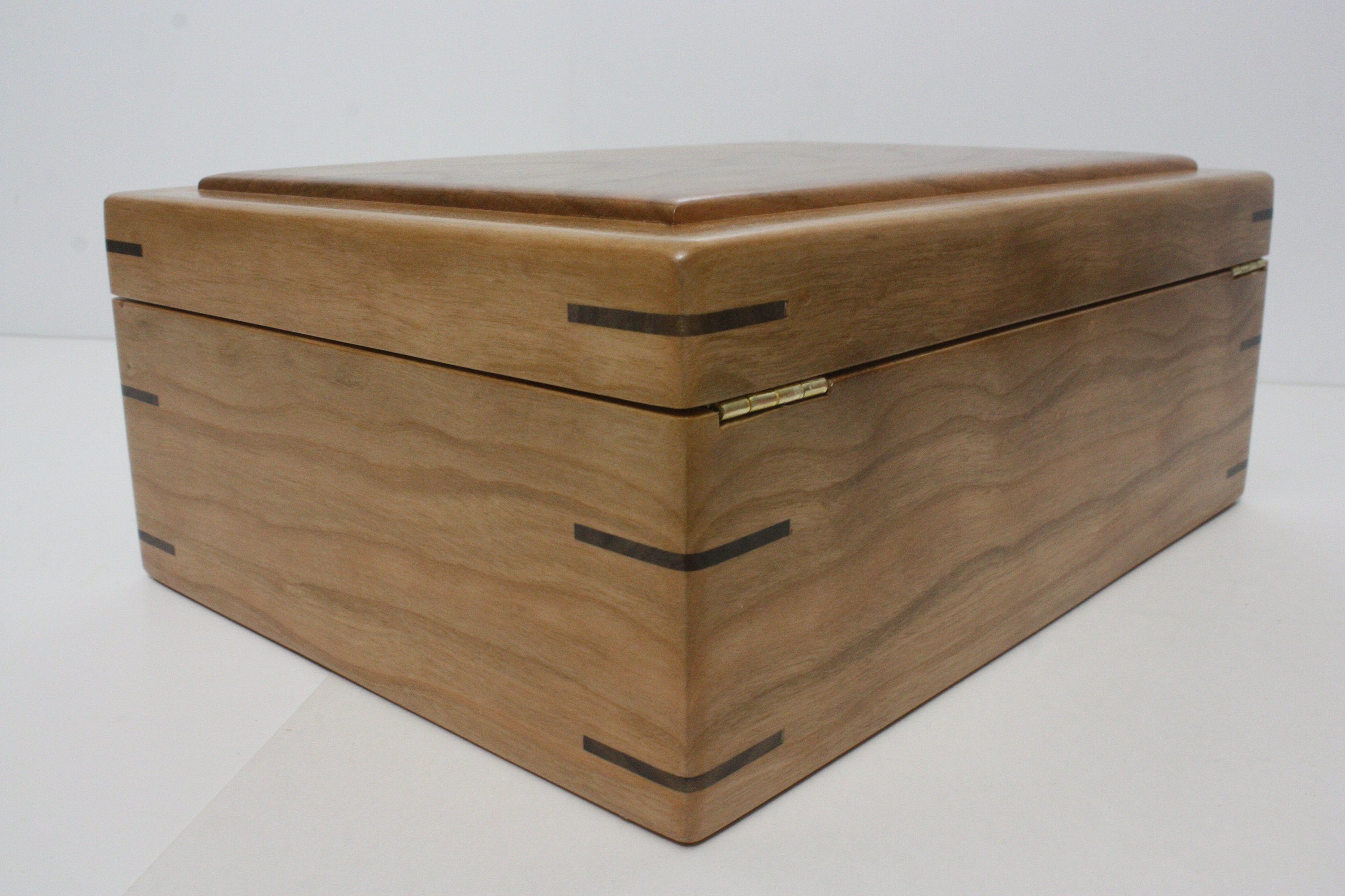 Locking Wood Box with Quadrant Hinges