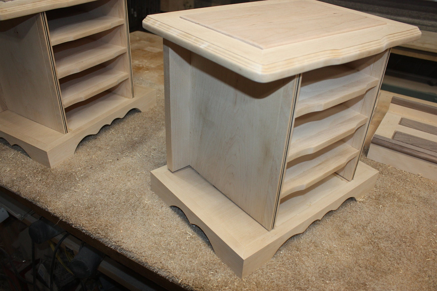 Attaching the Lid and Base onto a 4 Drawer Jewelry Box