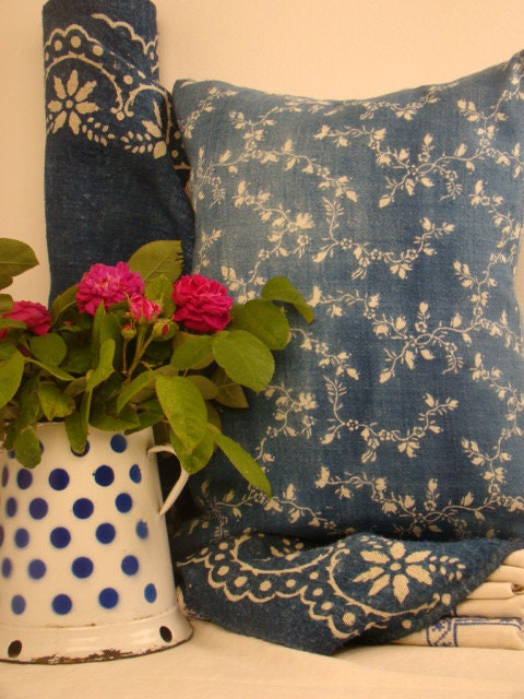 Indigo linen cushions