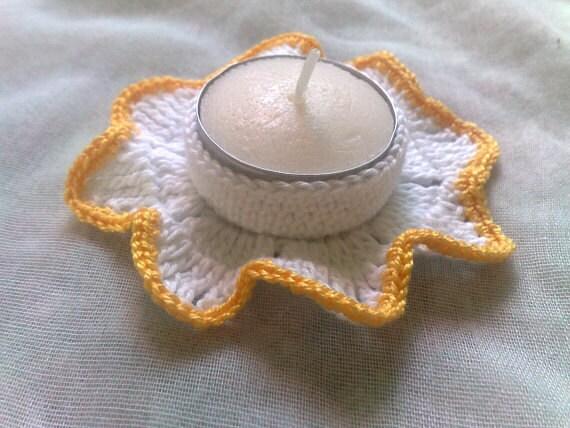Weißer Kerzenhalter mit gelber Umrandung für Thanksgiving