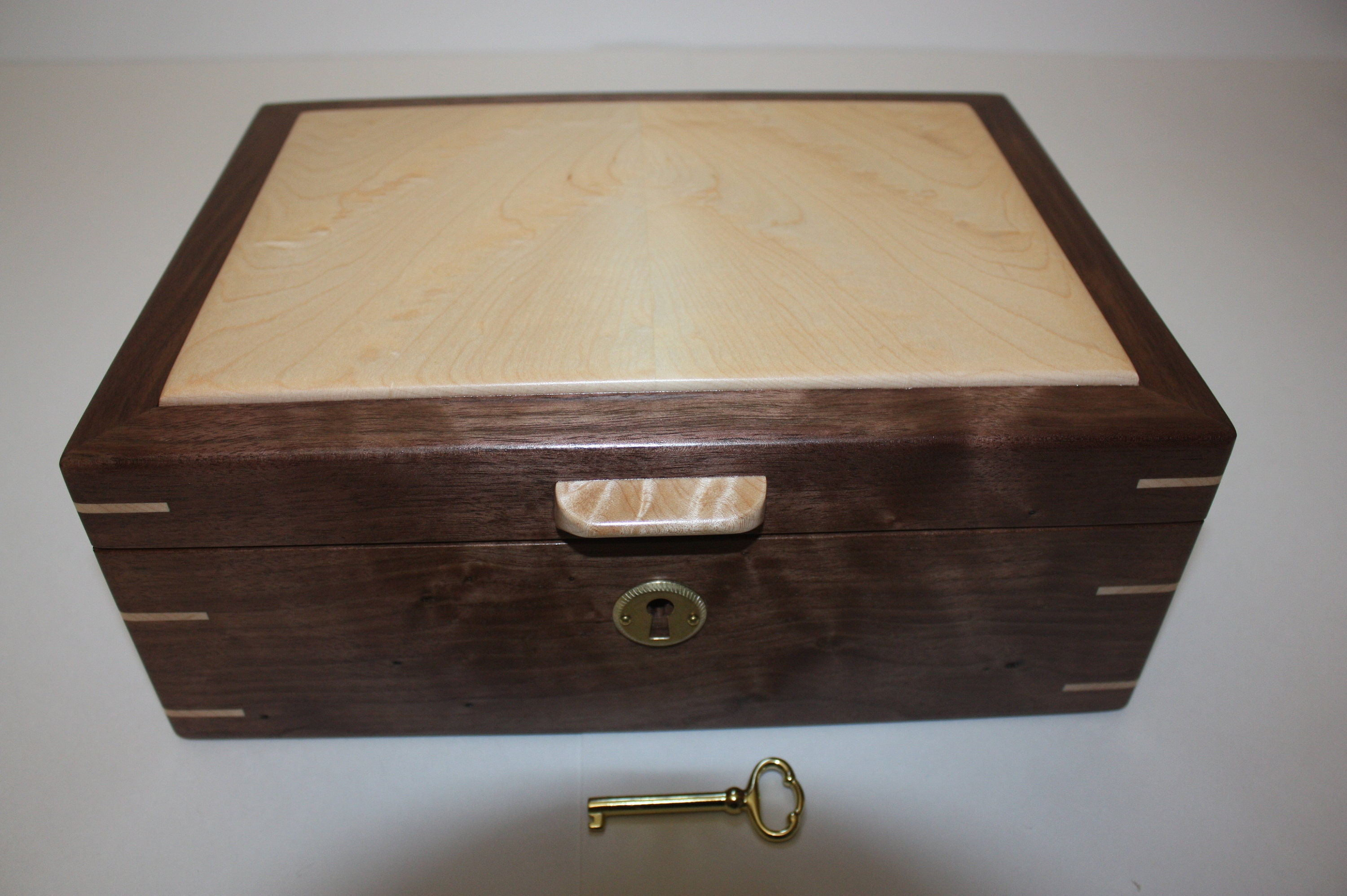 Locking Walnut and Maple Box For Sale
