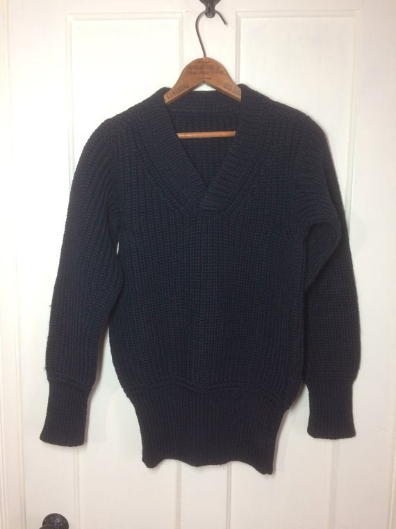 1940s WWII Military thick chunky wool Sweater looks size Small- Medium low gauge knit V-neck pullover very dark Navy Blue almost black