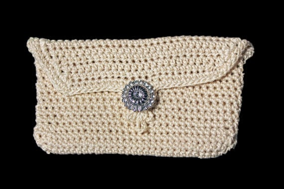 Coin Purse, Coin Pouch, Change Purse, Rhinestone Button, Handmade, Crochet, Ecru