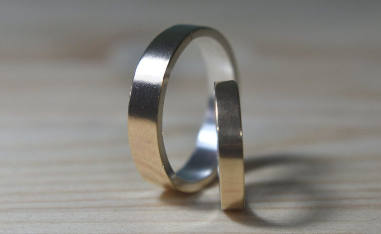9k Gold Wedding Band Set