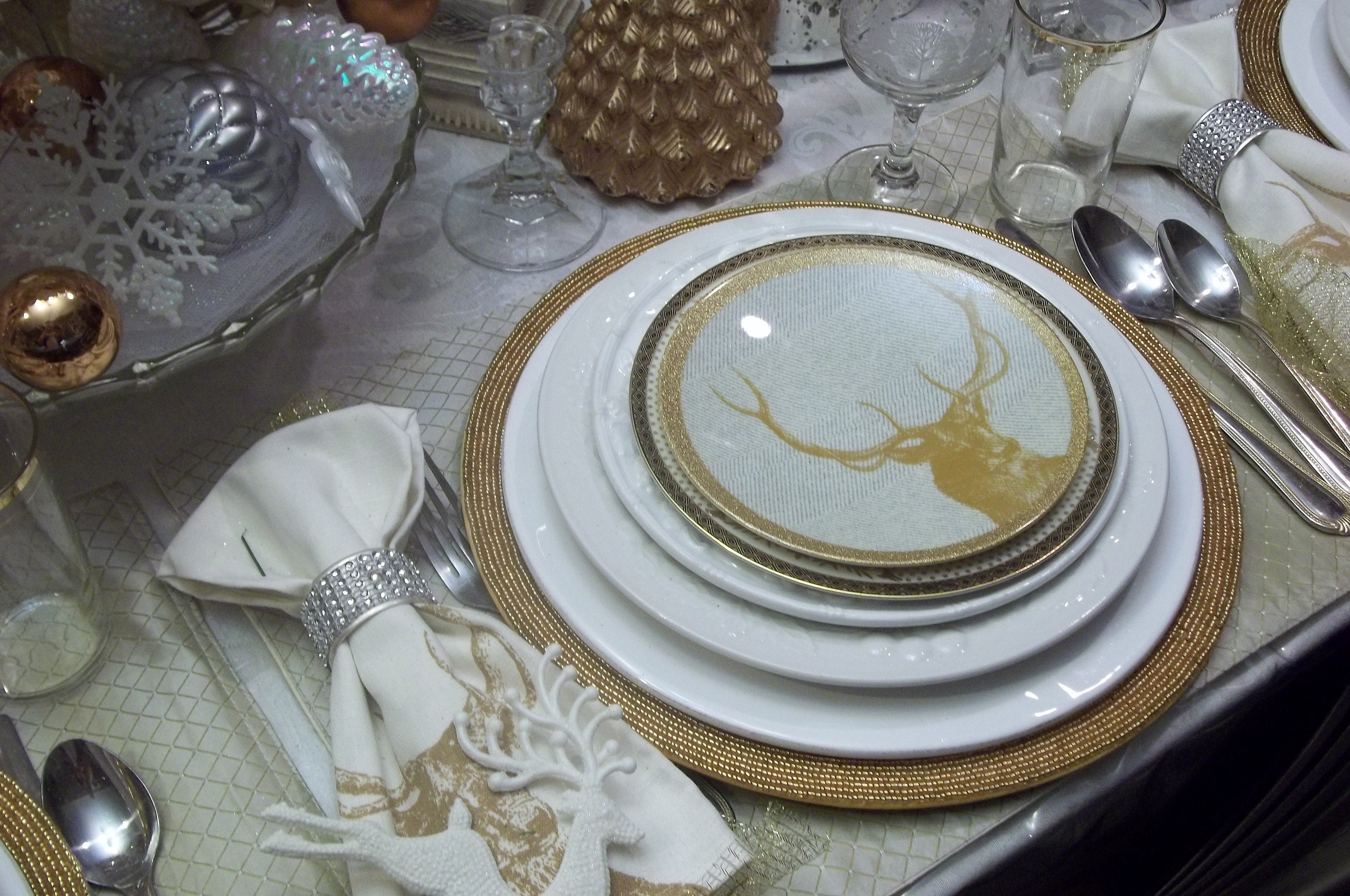 So decorating the table is for a smaller group and things are more elegant with that thought in mind. As opposed to sturdy Christmas paper plates for dinner ... & Merry Christmas Gold and White Tablescape